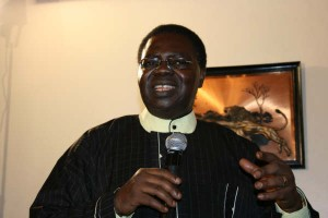 Ebenezer Obey a gospel artist, in his address, said it was necessary to pray for the country.