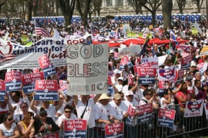 (Photo: The Christian Post) More than 200,000 people, including many from the religious communities, gathered at the National Mall to advocate for comprehensive immigration reform on Sunday, March 21, 2010 in Washington, D.C.