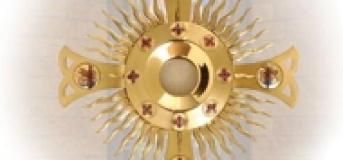 Pope Francis: sacrament of the Eucharist is not a 'magic rite'
