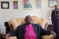 Ex-communicated Bishop Kunonga grabs Anglican parish