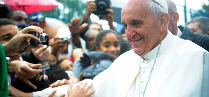 Pope Francis Allows Married Man to Join Priesthood for First Time in Nearly 100 Years