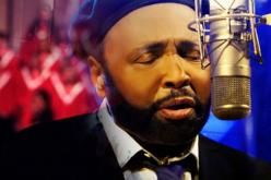 Gospel music pioneer Andraé Crouch dies at 72