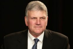 Franklin Graham: 'Imagine the outcry' if Christians beheaded 21 Muslims