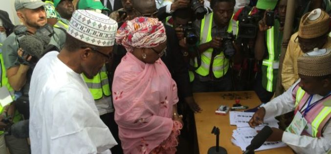 Early Nigeria Results Show Buhari Leading; Tampering Concerns Mount