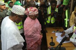 Nigeria Extends Voting After Technical Problems Prompt Long Lines