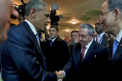 Obama, Castro Shake Hands at Summit of Americas