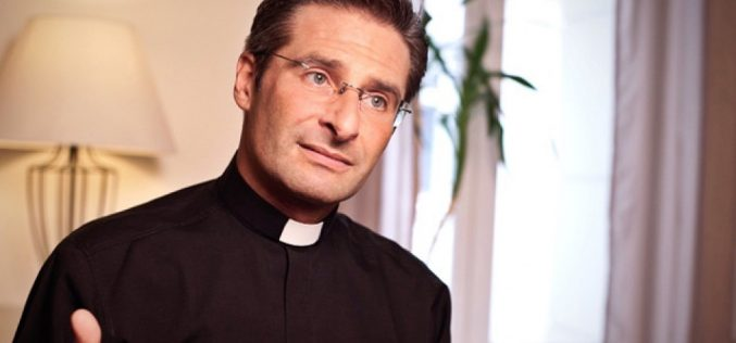 Priest stripped of Vatican duties after coming out as gay