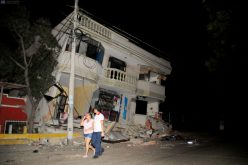 Ecuador earthquake: Desperate search for survivors as deaths rise