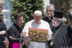 Pope Francis in Geneva urges 'unity' with non-Catholics
