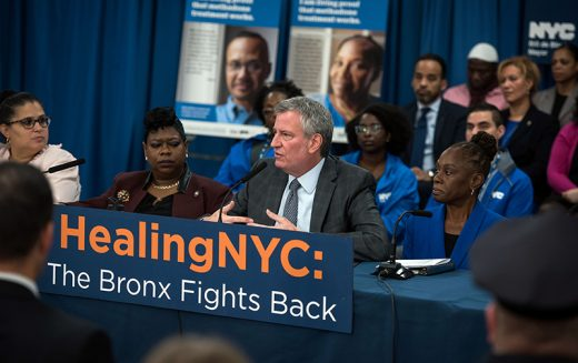 De Blasio rolls out opioid plan in South Bronx neighborhood where Daily News chronicled heroin use